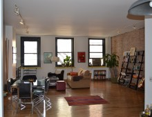 """<strong>154 Chambers Street #4     <span style=""""color: #449967;"""">$4,700</span></strong>"""